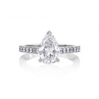 DB CLASSIC PAVÉ PEAR CUT SOLITAIRE RING